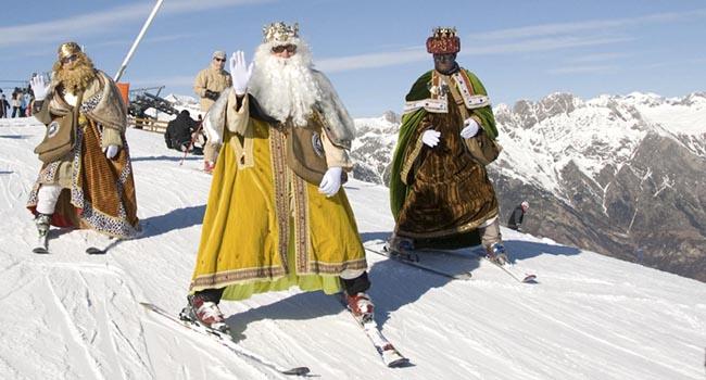 Los Reyes MAgos llegan a Cerler esquiando
