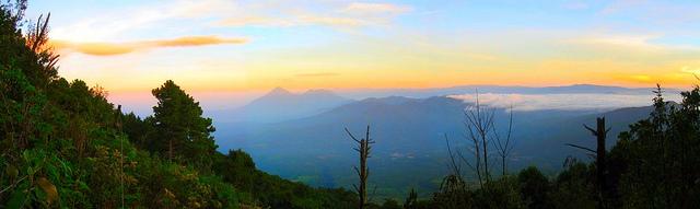Panoramica desde el volcan Acatenango
